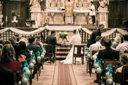 mariés à l'église photographe mariage toulouse