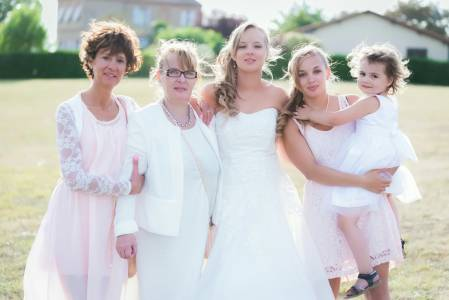 Mariée en blanc soleil