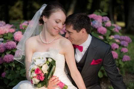 Photo romantique et naturelle mariage
