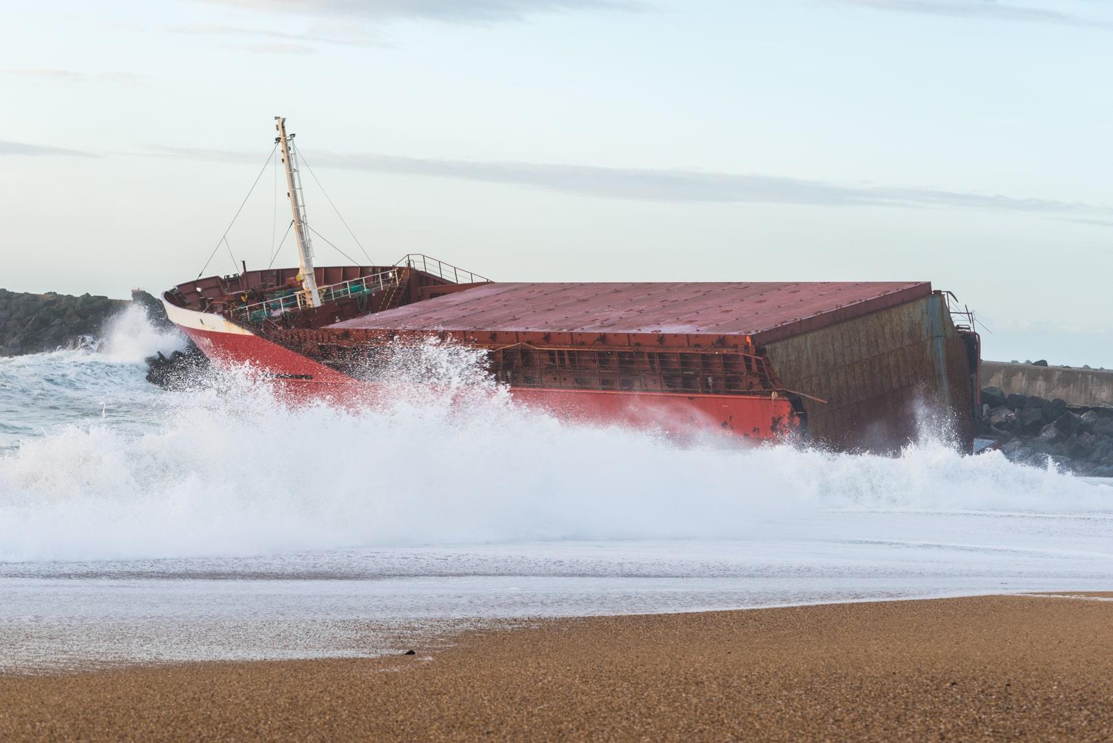 Photo bateau échoué anglet