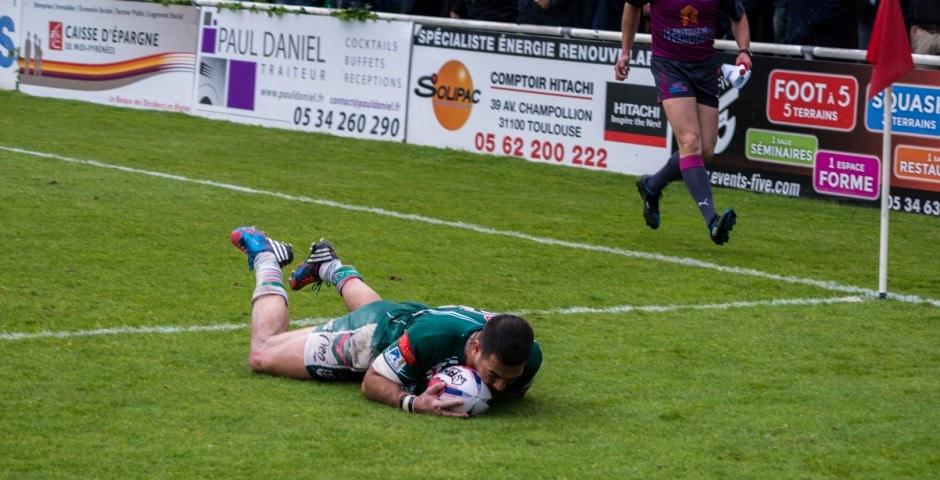 Photo d'un essai lors de la demi finale du championnat de France de Rugby à XIII, Lezignan - St Estève 3