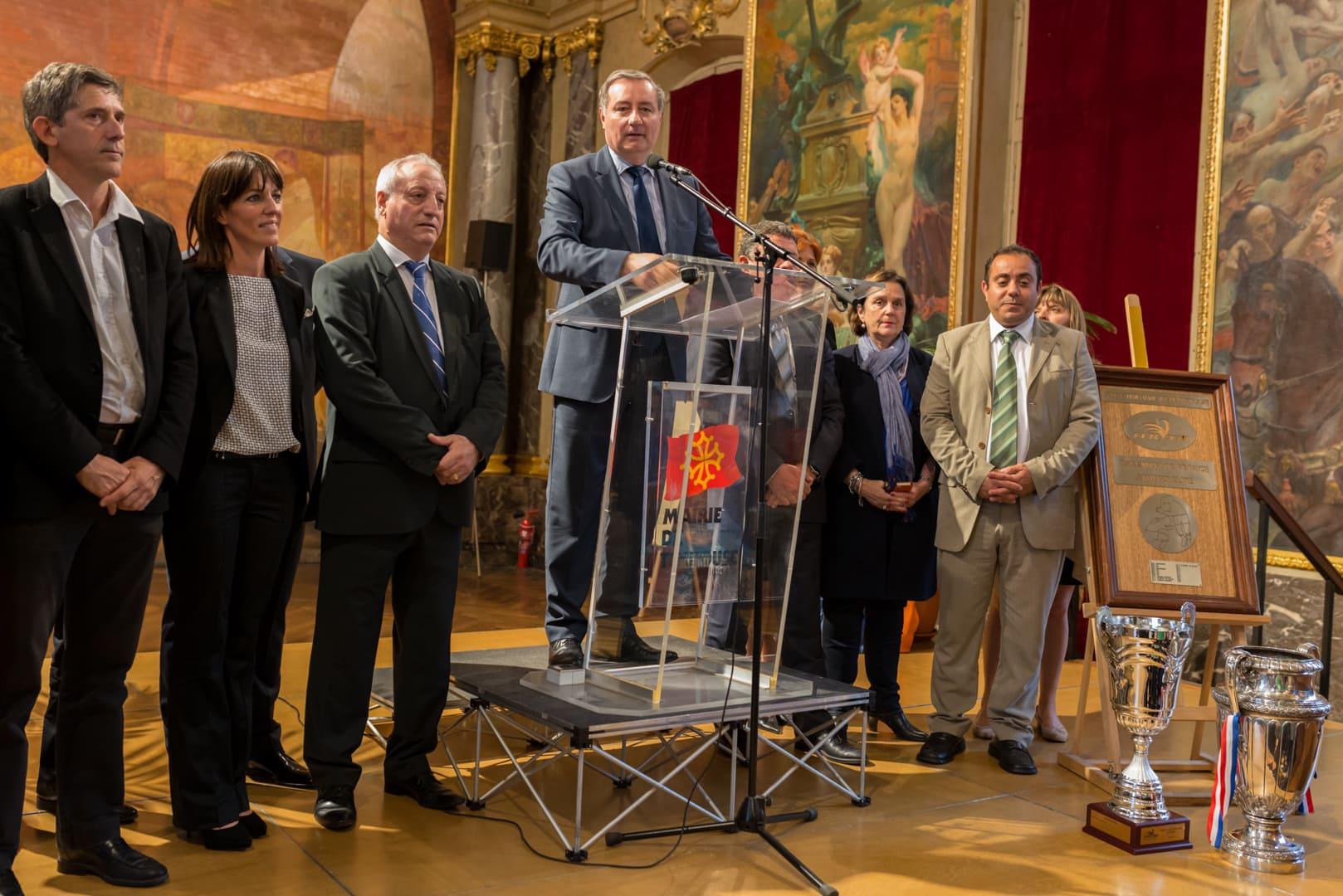 Photo du TOXIII à la mairie de Toulouse en présence du maire : Jean luc Moudenc 7