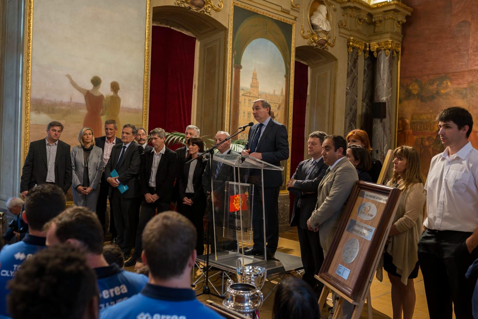 Photo du TOXIII à la mairie de Toulouse en présence du maire : Jean luc Moudenc 6