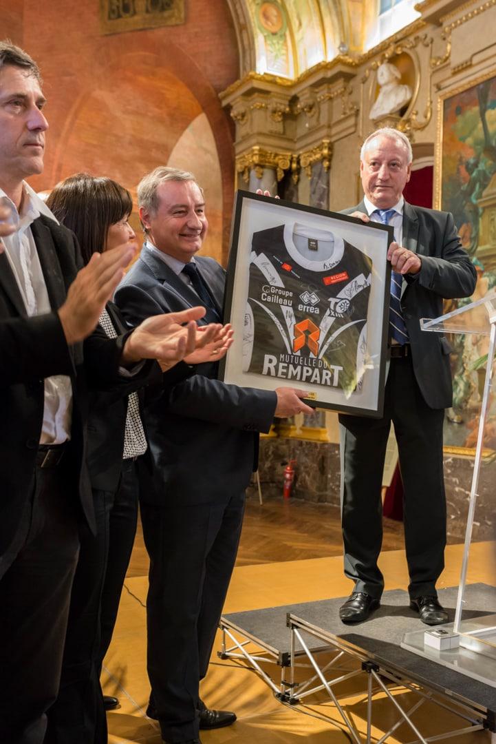 Photo du TOXIII à la mairie de Toulouse en présence du maire : Jean luc Moudenc 4