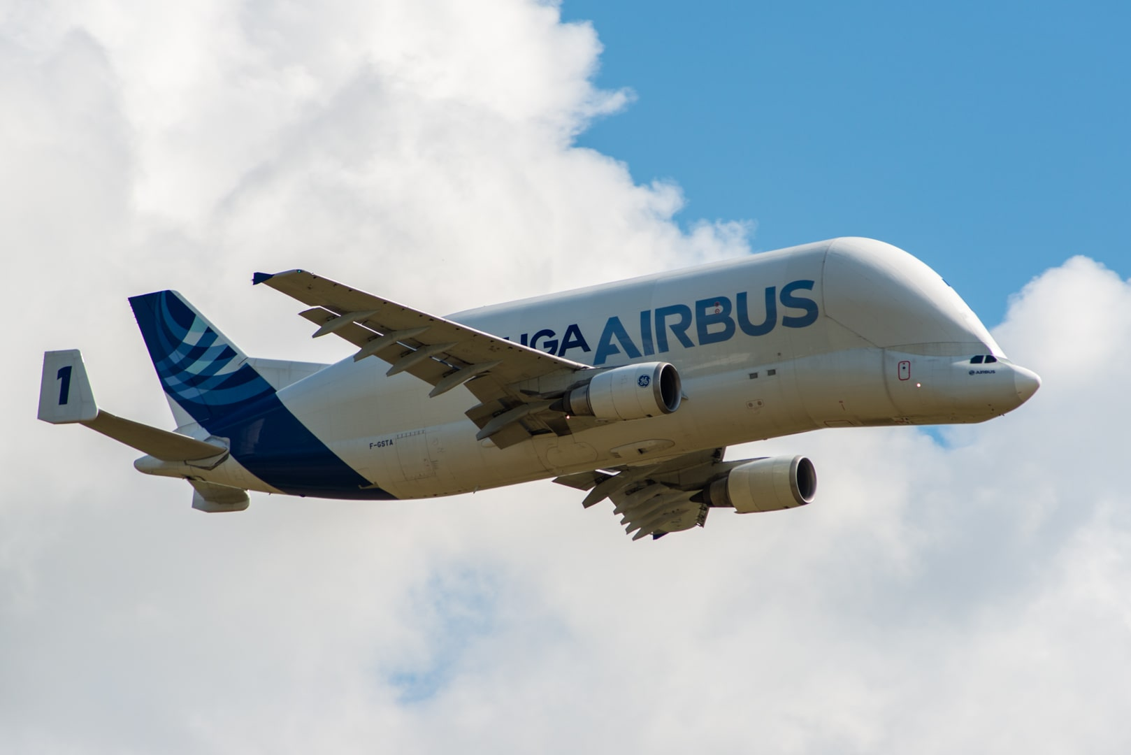 Photo d'avion le Beluga de Airbus lors du meeting aérien sur Toulouse ( Lherm) 2