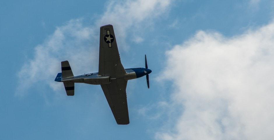 Photo d'avion du p51 mustang lors du meeting aérien sur Toulouse ( Lherm) 3