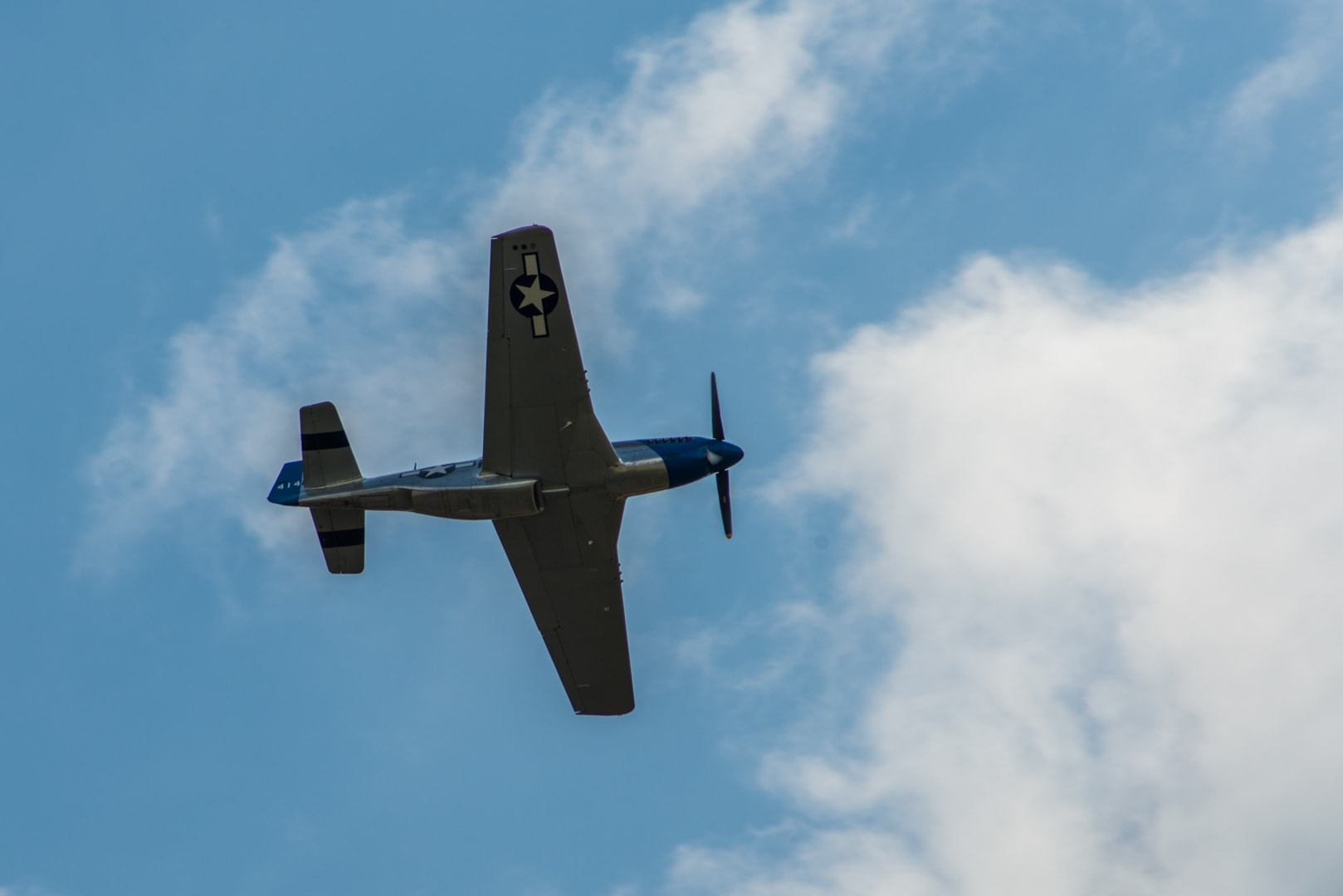 Photo d'avion du p51 mustang lors du meeting aérien sur Toulouse ( Lherm) 3