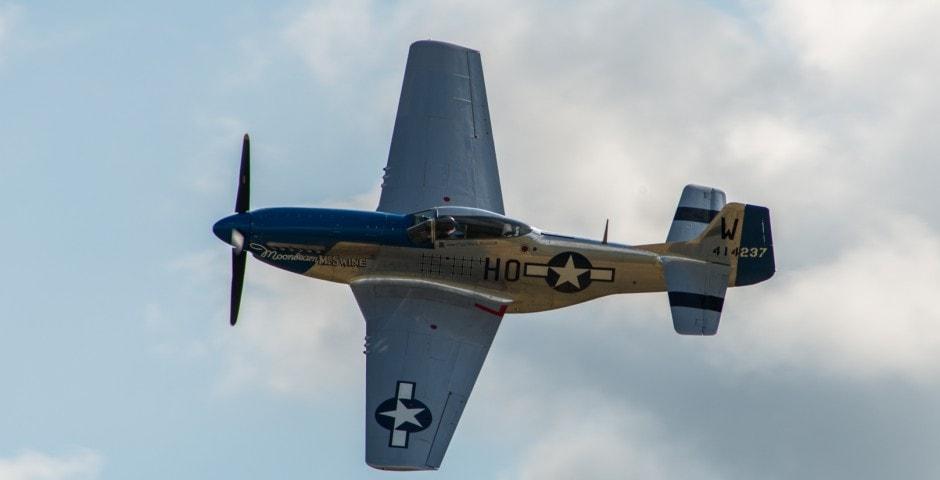 Photo d'avion du p51 mustang lors du meeting aérien sur Toulouse ( Lherm) 1
