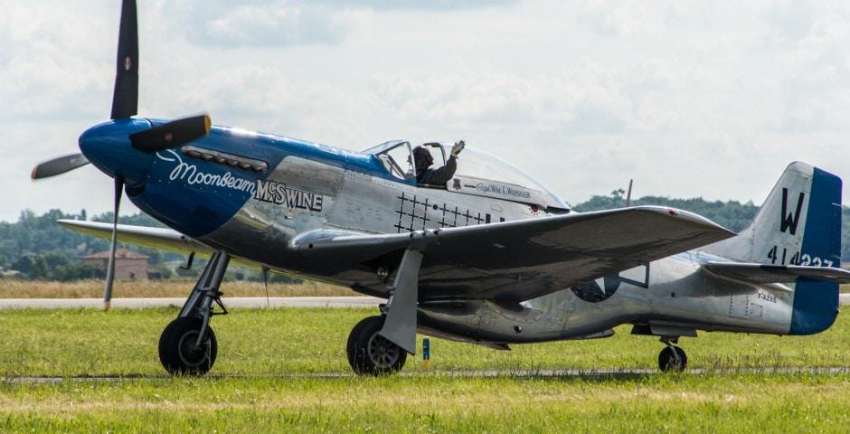 Photo d'avion du p51 mustang lors du meeting aérien sur Toulouse ( Lherm)