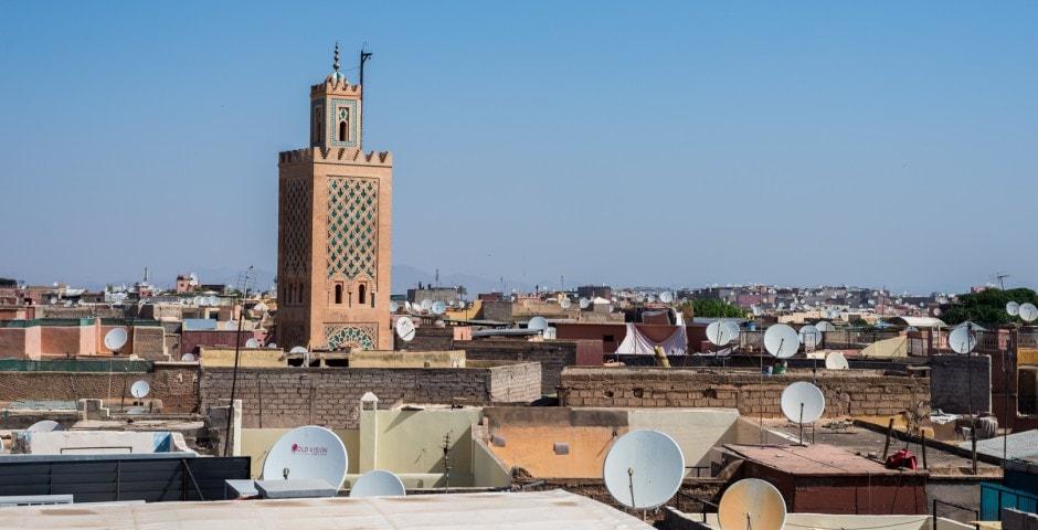 photo des toits de la place El FNA de Marrakech voyage au Maroc