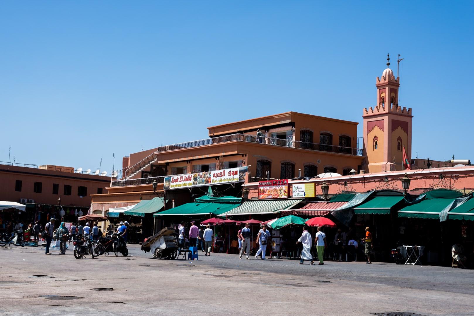 photo de la place El FNA de Marrakech Maroc 5