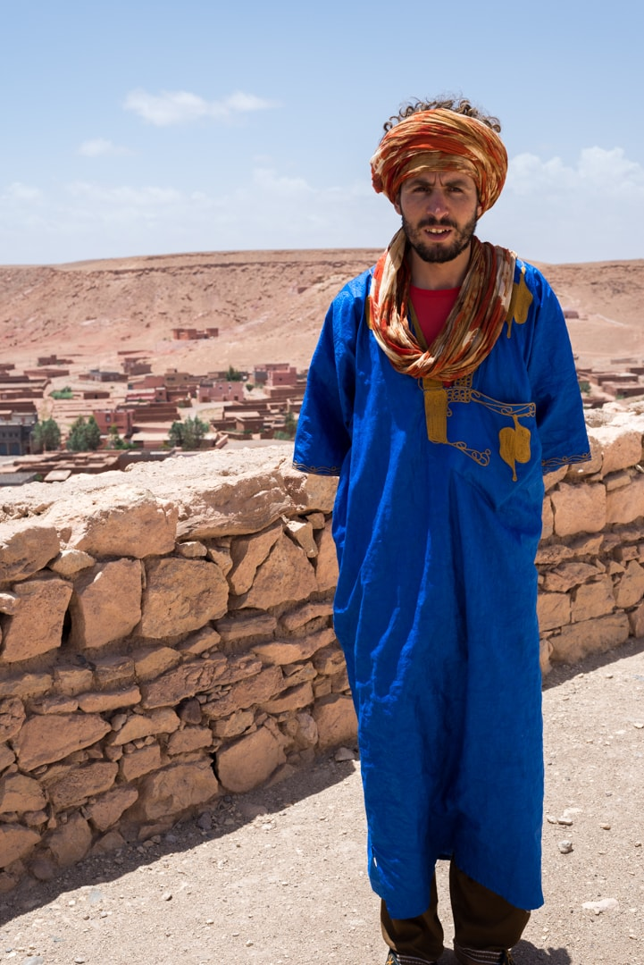 photo d'un guide à Ait Ben Haddou Maroc