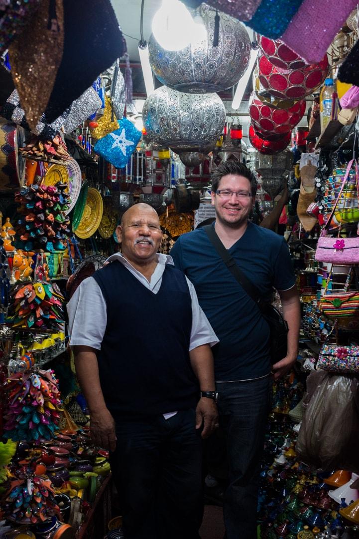 photo d'un souk de Marrakech prise lors d'un voyage au Maroc