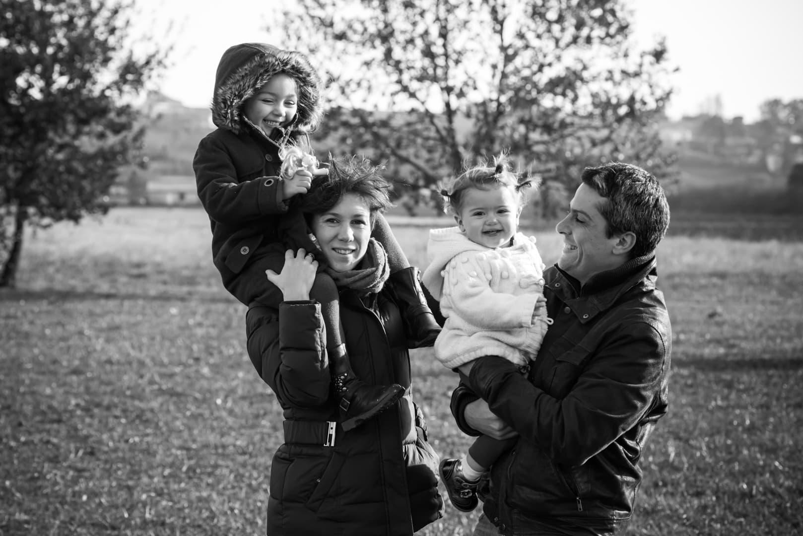 Photographe portrait famille - Toulouse - noir et blanc