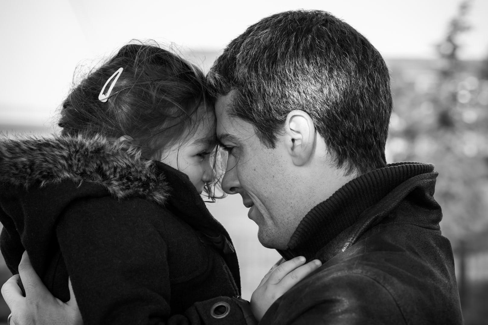 Photographe portrait famille - Papa et fille